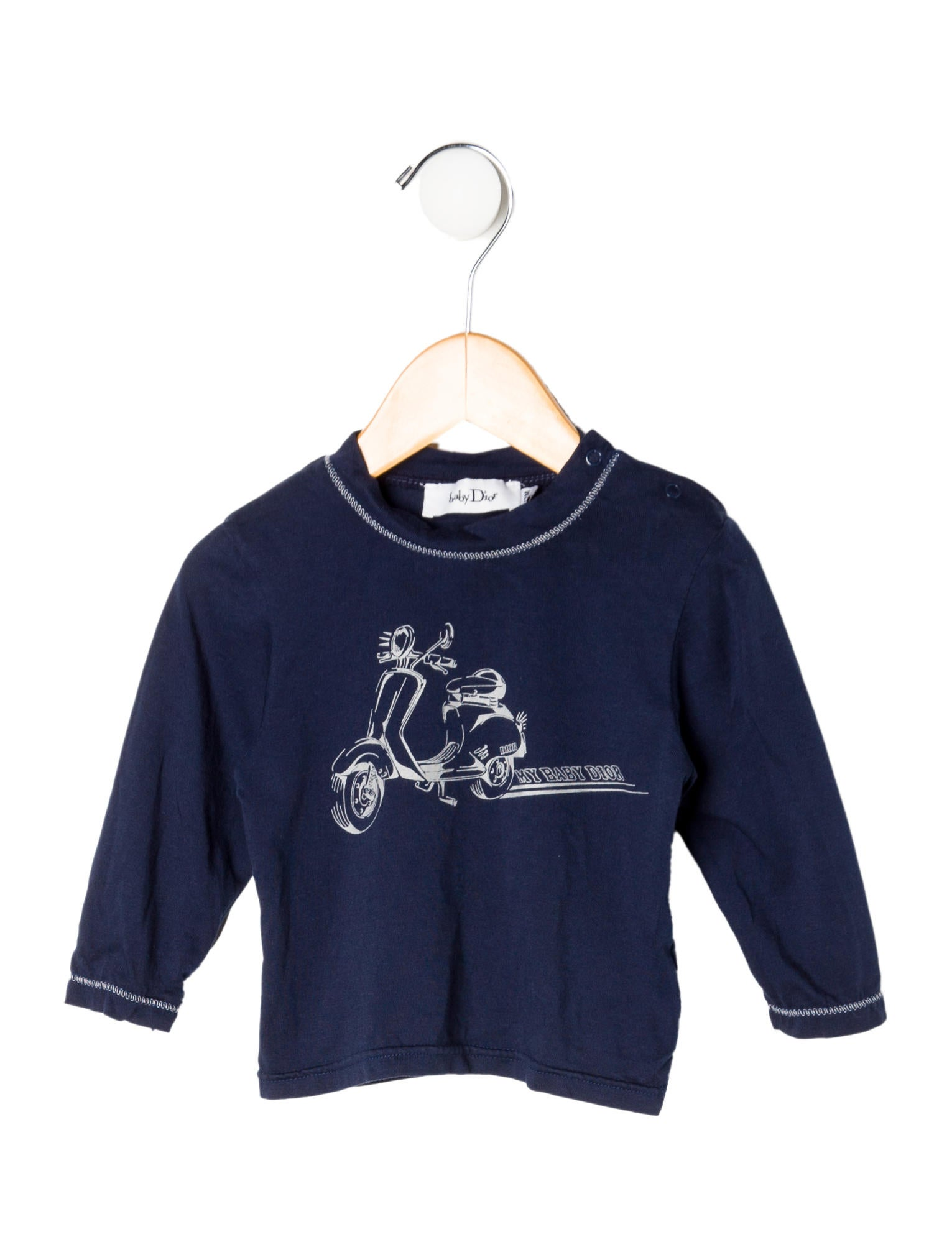 Boys' tops and T-shirts in size 4 and up include a variety of sleeve styles and fabric types that can be suited to active and dress-up occasions. Boys' tops and T-shirts are also available in a wide range of colors, designs, and prints.