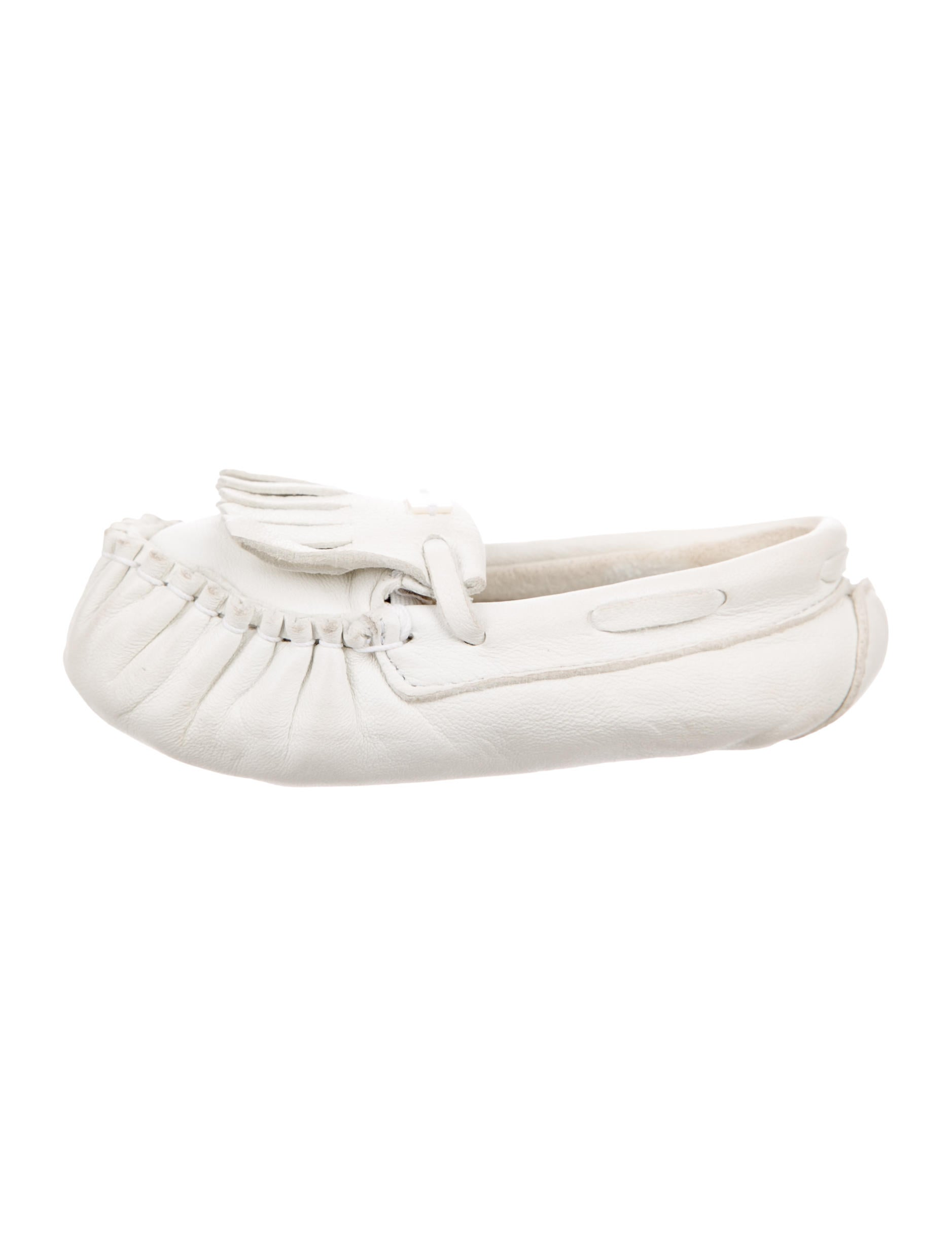 moccasin christian single women Warm up with hot deals this spring christian louboutin women's moana  parents don't have to dedicate their single-bathroom home  features moccasin.