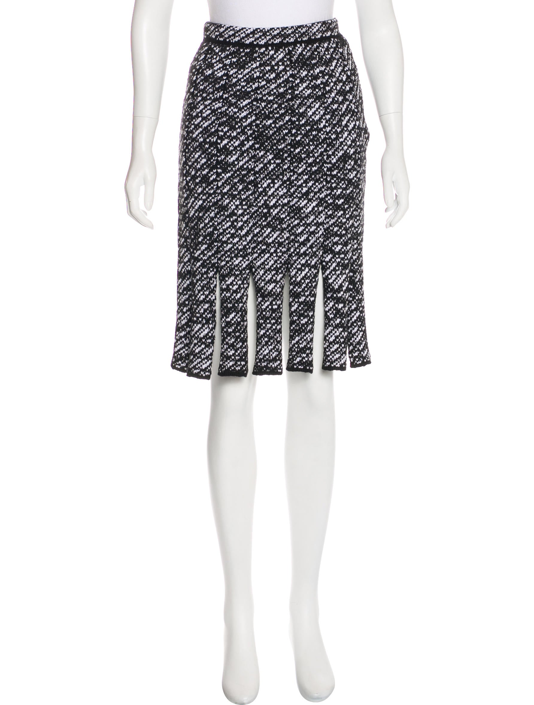 Find wool knit skirt at ShopStyle. Shop the latest collection of wool knit skirt from the most popular stores - all in one place.