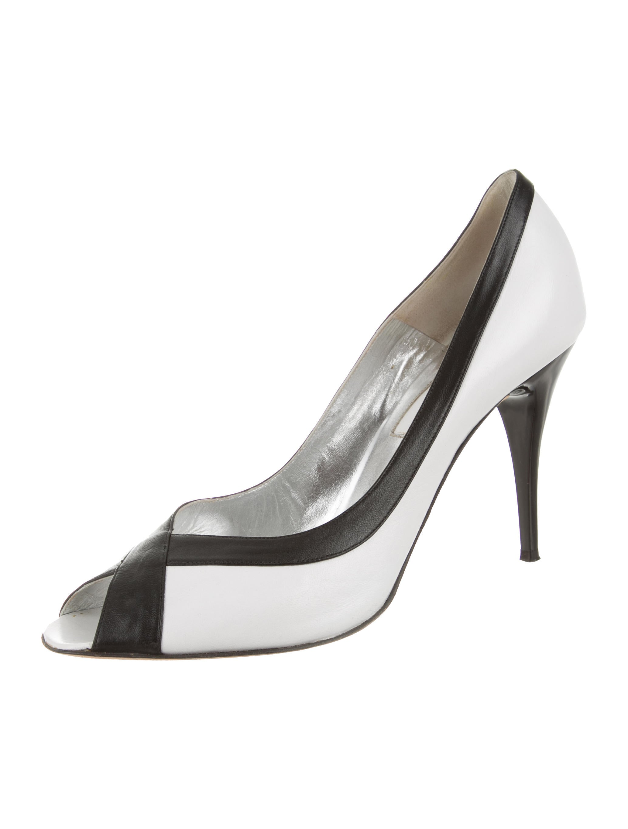 clearance looking for Christian Lacroix Leather Pointed-Toe Pumps prices for sale outlet footlocker finishline oi0g3lqP