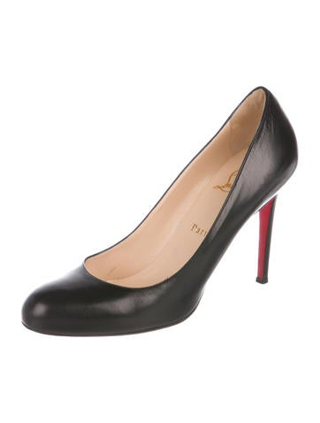 843a10af7882 Christian Louboutin. Leather Round-Toe Pumps