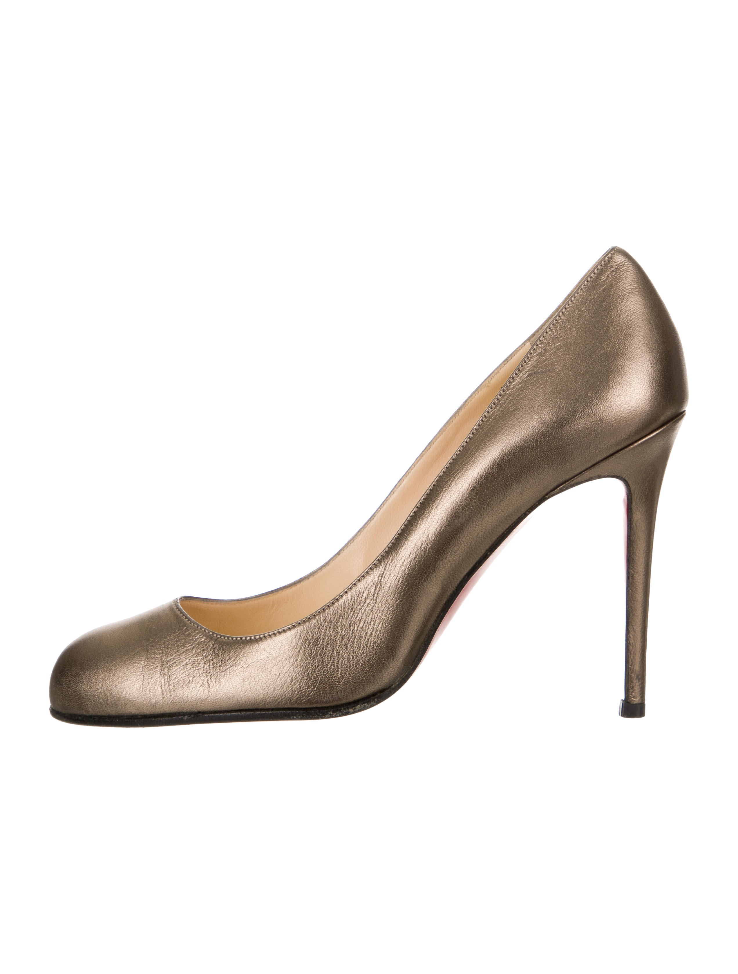 82ca154f8 Christian Louboutin Shoes | The RealReal
