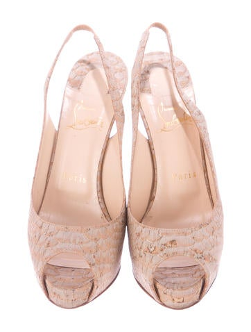 Embossed Private One Pumps