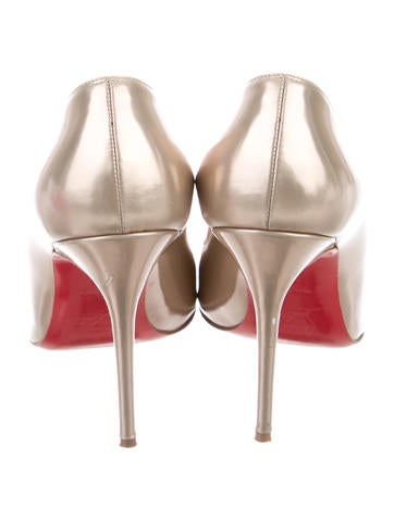 Metallic Round-Toe Pumps
