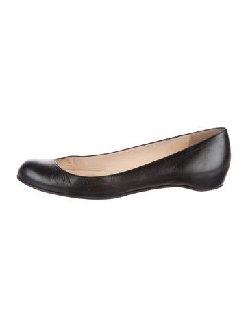 Christian Louboutin Round-Toe Ballet Flats None