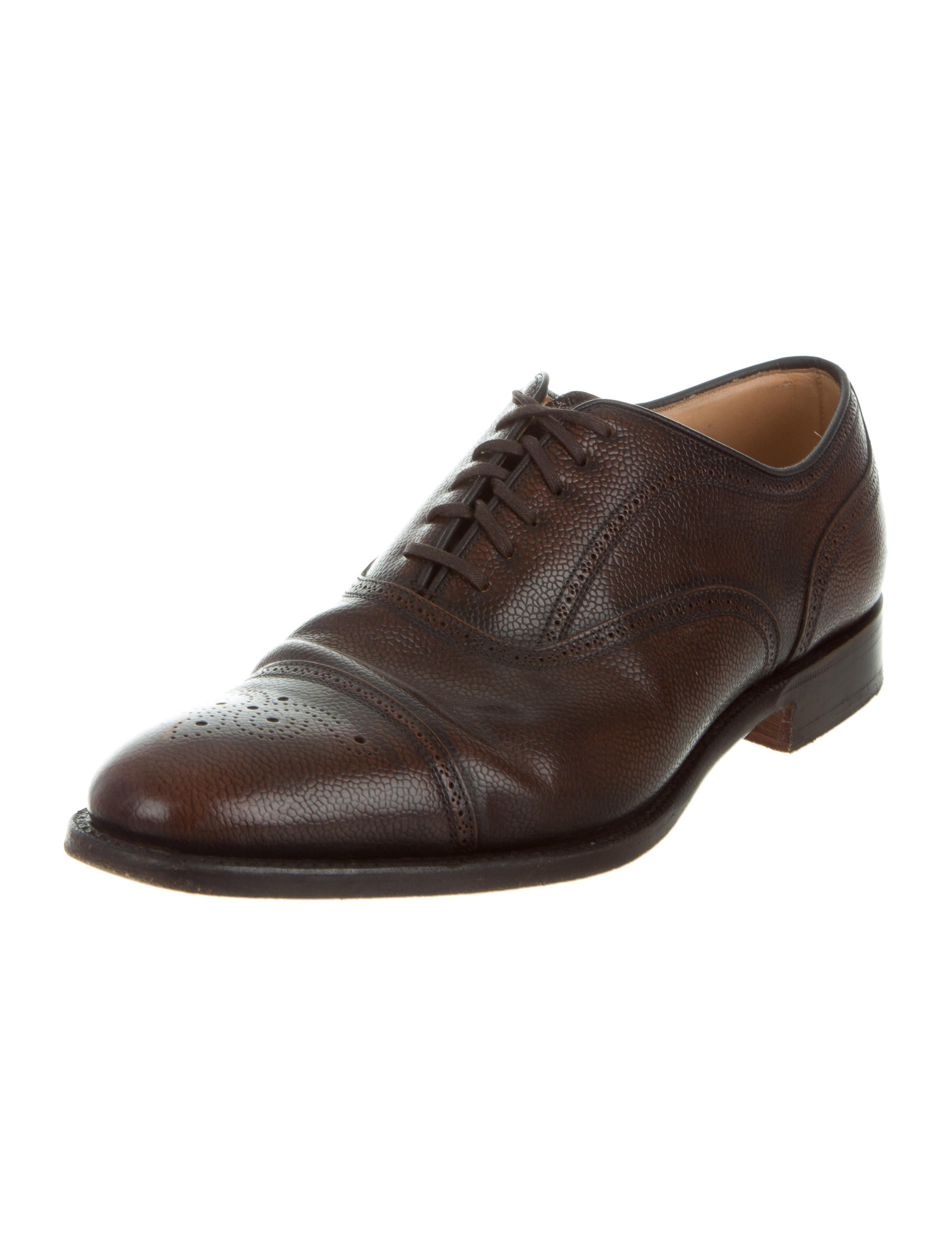 While most brogues are made of boxcalf leather, they are available in suede, scotch grain, and all kinds of other leathers. Ideally you should opt for smooth or at .