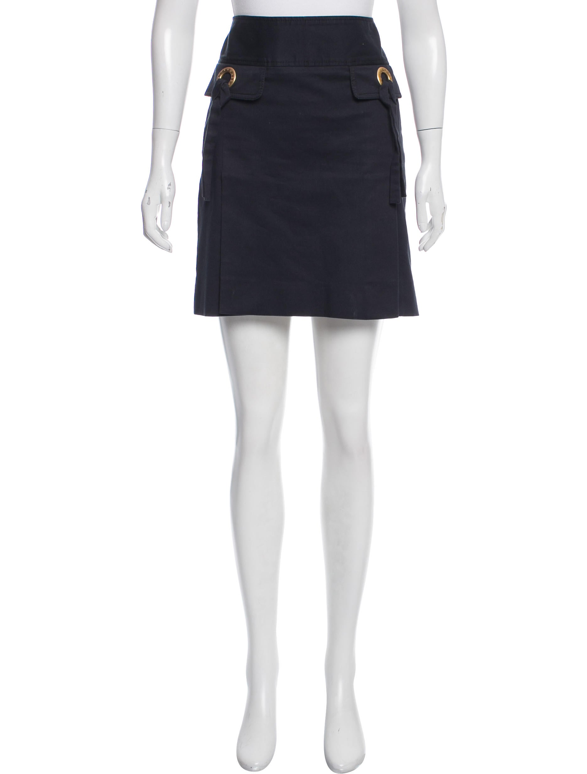 Decide if youre interested in mini, midi, or maxi womens casual skirts to achieve the ideal look for the occasion. Mini skirts Stopping somewhere below the hip or around mid-thigh, these are the shortest skirts .