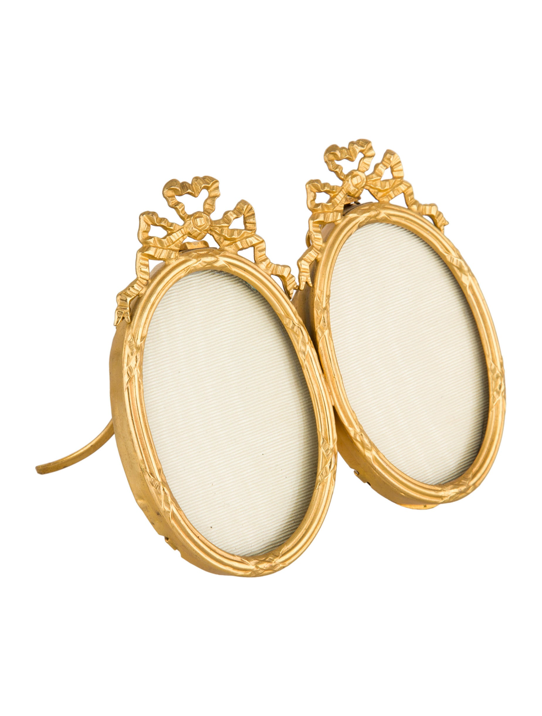 Gilt Oval Picture Frame Decor And Accessories  : DECOR211792enlarged from www.therealreal.com size 1848 x 2438 jpeg 264kB