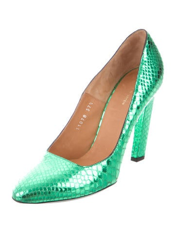 Metallic Embossed Pumps
