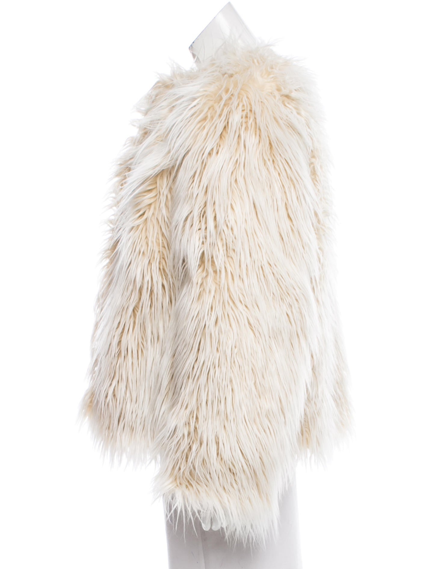 Faux fur coat winter is the tribute to eco fashion, that should be highly appreciated by all animal advocates and environmentally friendly fashion followers. Last fall-winter seasons trendy fur designs were deliberately artificial, matted, seemed like moth-eaten.
