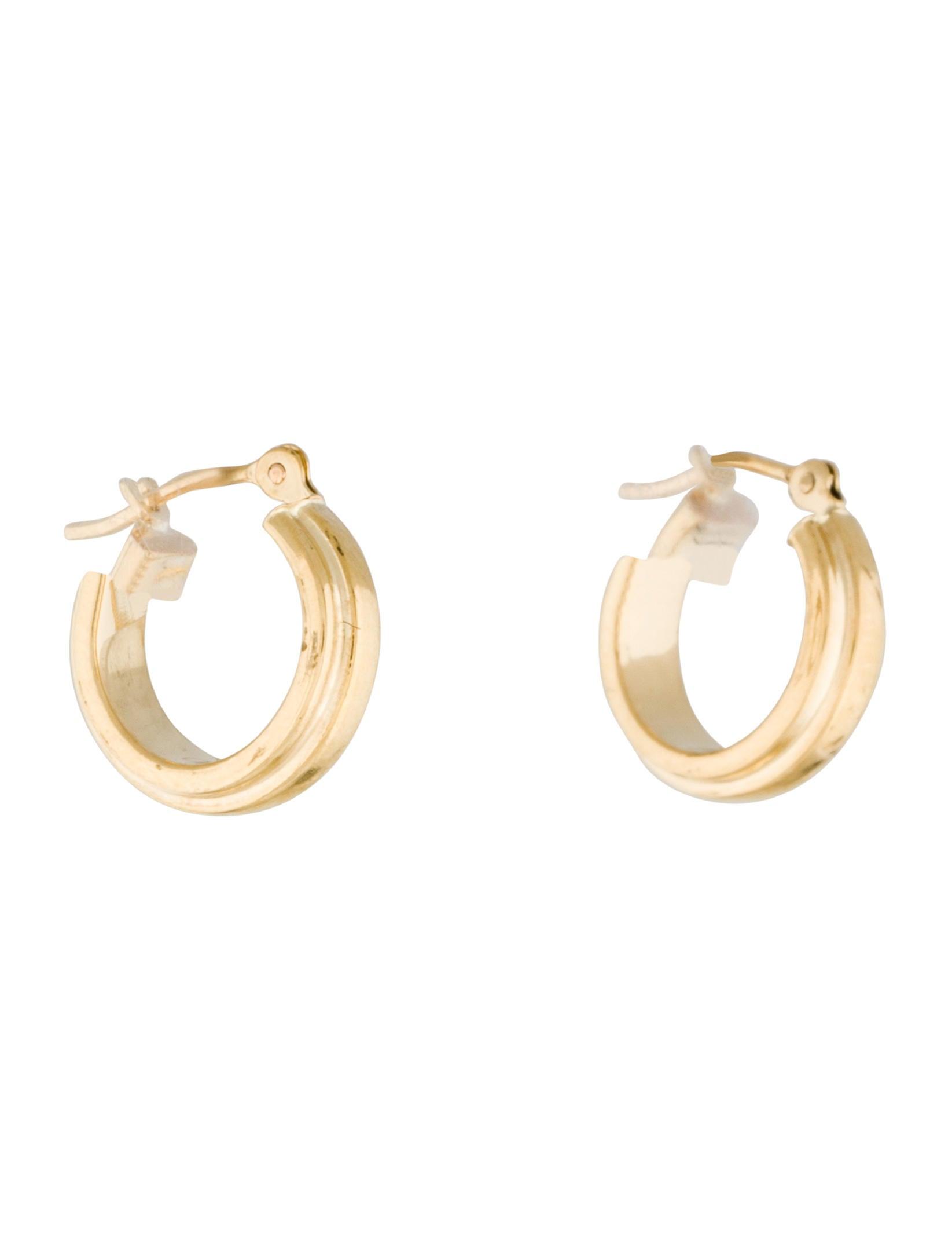 18k huggie earrings earrings earri25990 the realreal