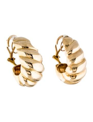 14K Scalloped Huggie Earrings