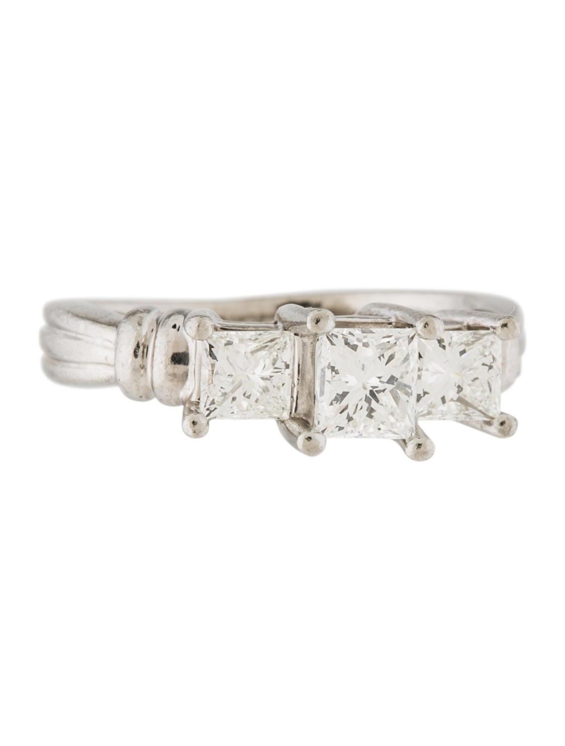 Platinum princess cut diamond engagement ring rings for Platinum princess cut wedding rings