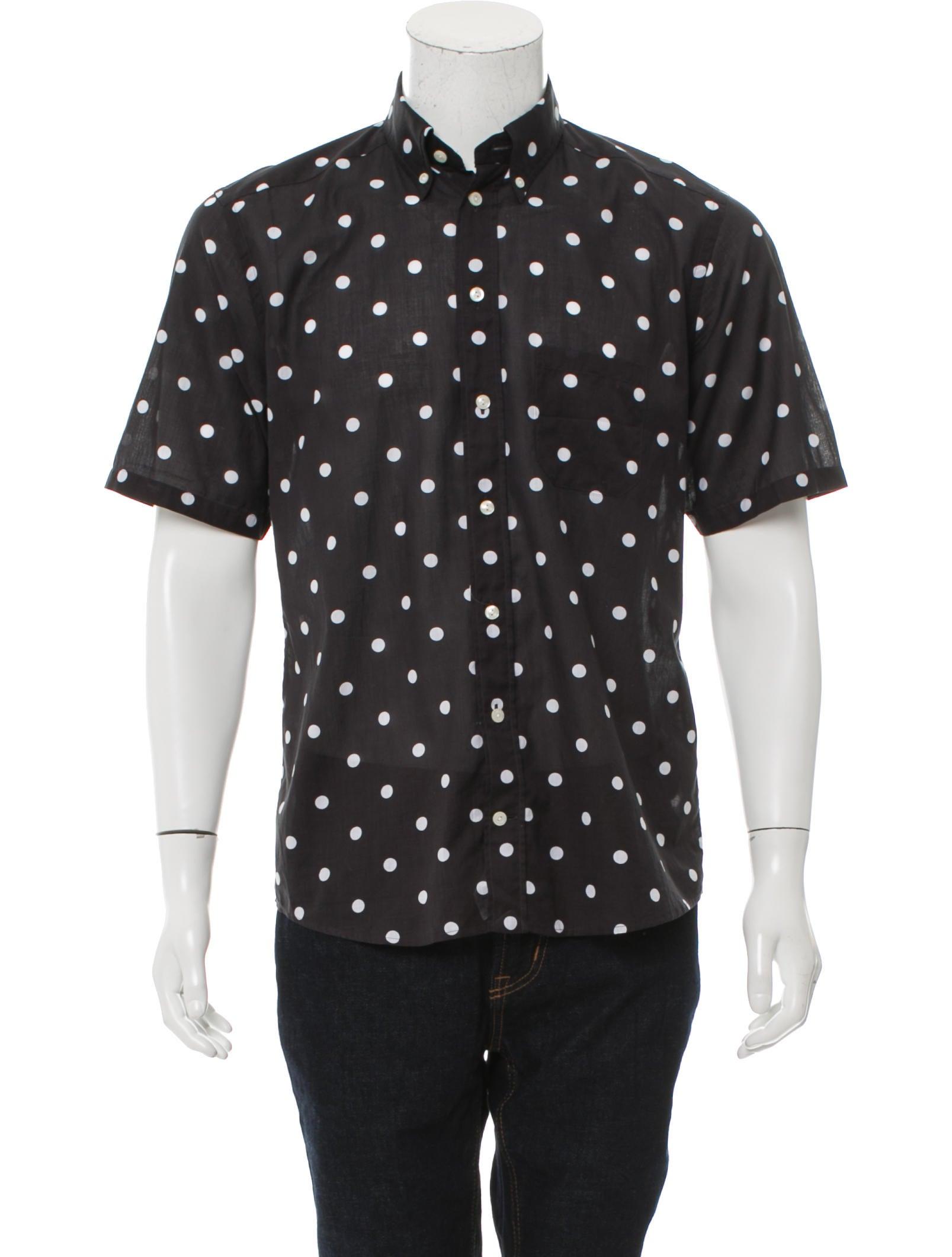Black and White Polka Dot Shirt with Khaki Shorts. source. As a minimal and stylish summer casual outfit, you can wear a black and white polka dot shirt with khaki shorts.