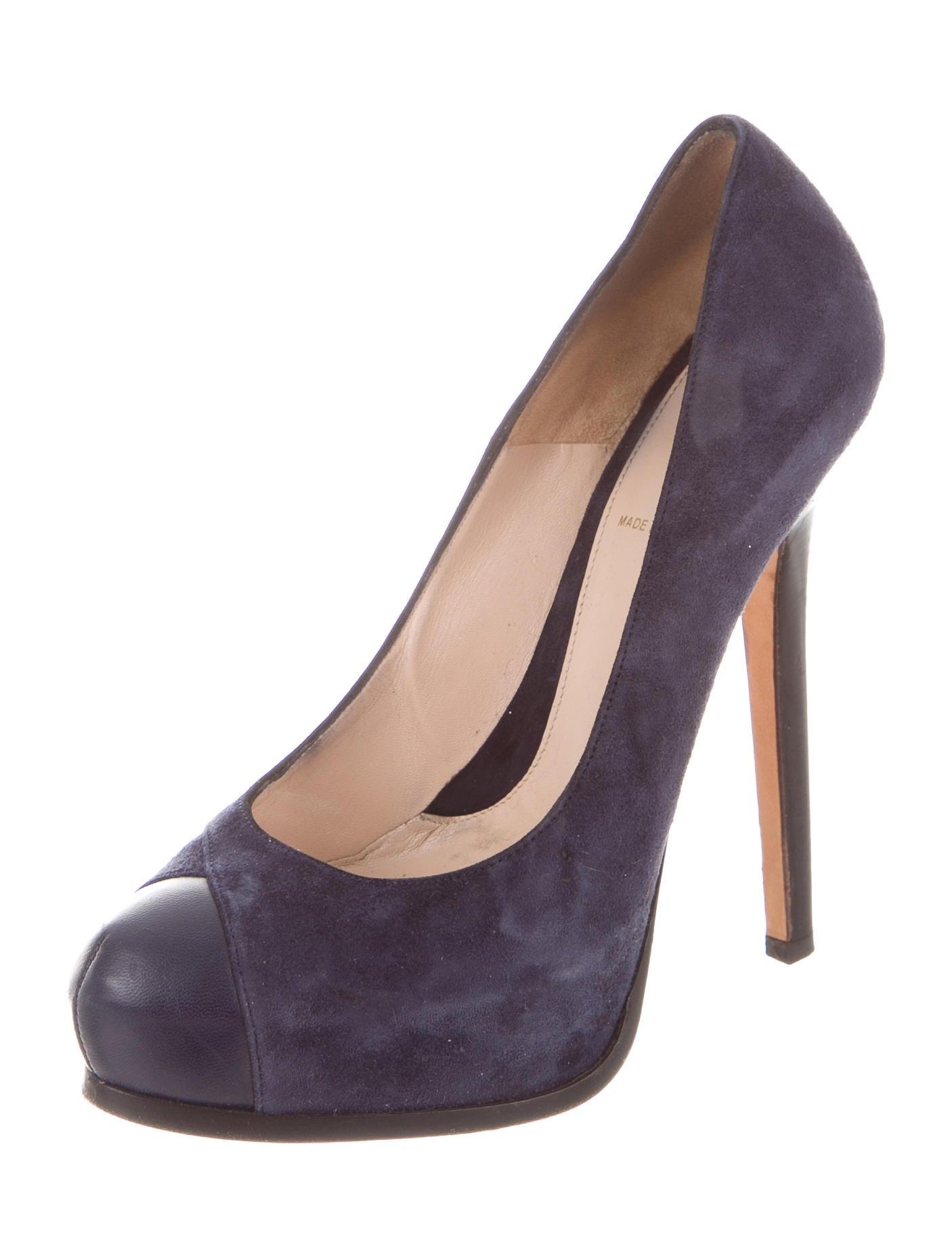 fendi suede platform pumps shoes fen45950 the realreal