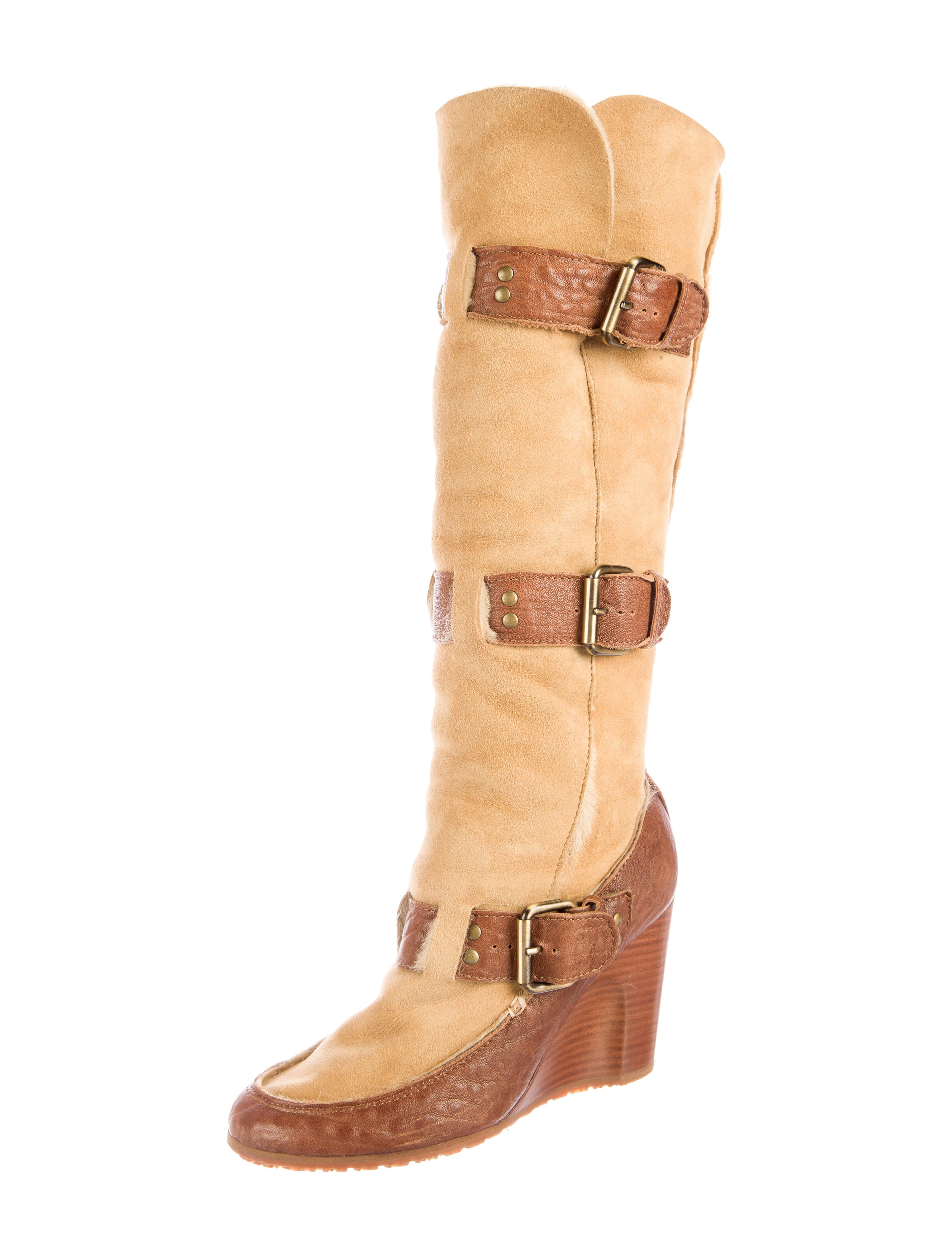 fendi shearling wedge boots shoes fen47541 the realreal