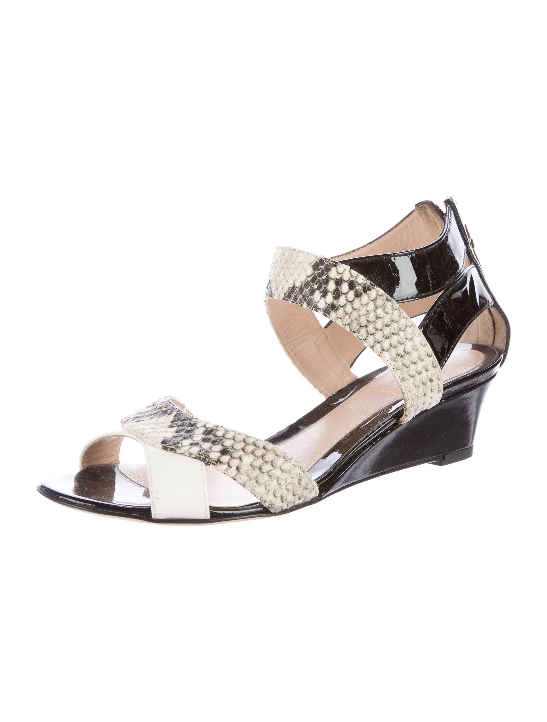 fendi snakeskin wedge sandals shoes fen52137 the