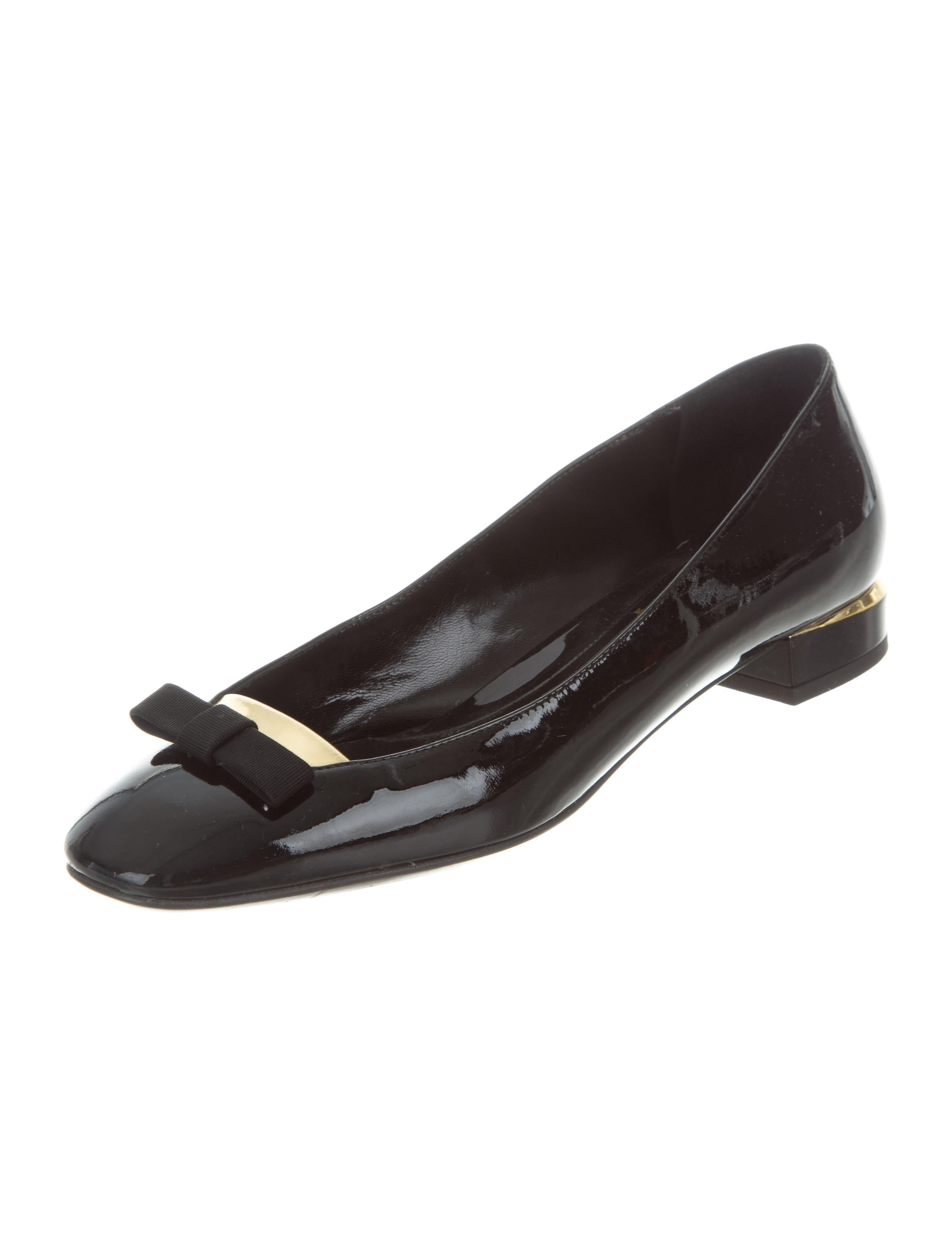 fendi patent leather flats shoes fen59664 the realreal