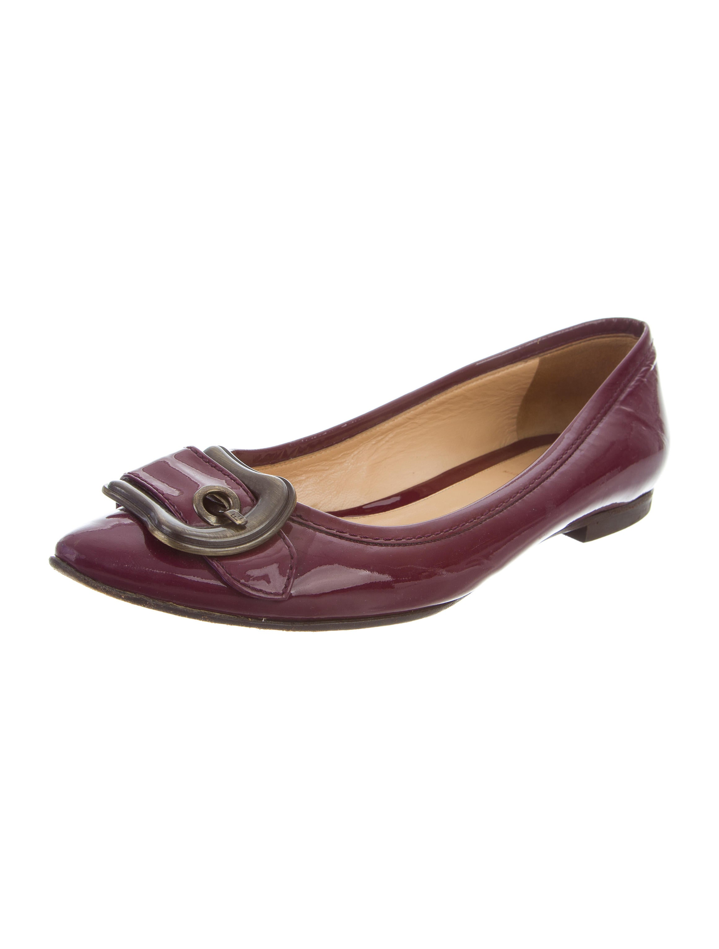 Fendi Patent Leather Buckle Adorned Flats for sale discount sale amazon footaction buy cheap Manchester cost cheap price best prices sale online YNq0BXDs