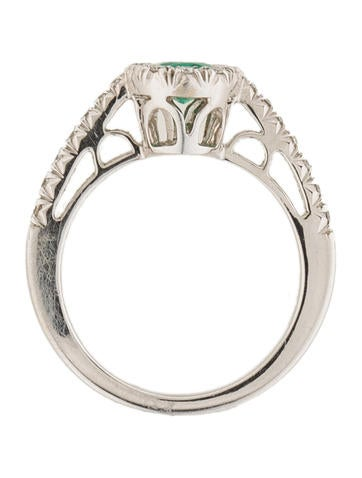 Favero Emerald and Diamond Halo Ring