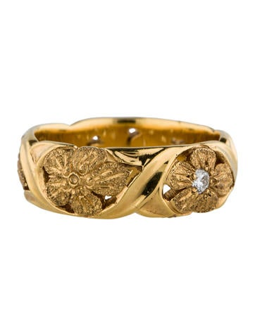 18K and Diamond Floral Etched Ring