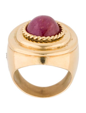 18K Ruby Cabochon Cocktail Ring