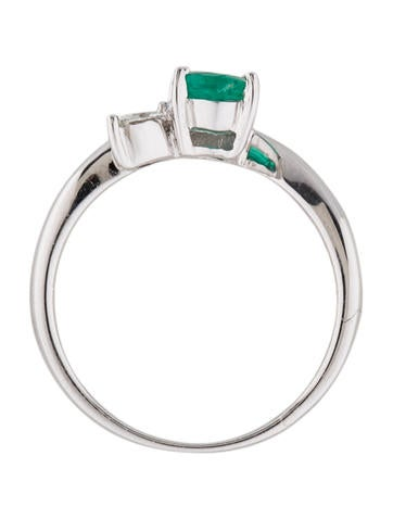 Fine Jewelry Ring Emerald and Diamond Ring
