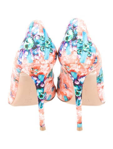 Printed Pointed-Toe Pumps