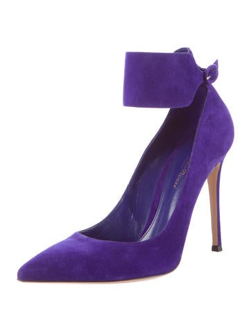 Nubuck Cuff Pumps
