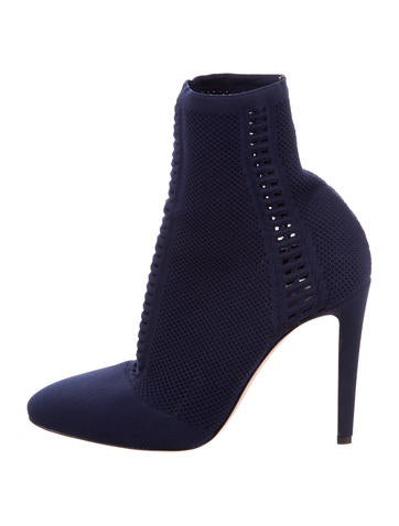 Gianvito Rossi Vires Round-Toe Booties None