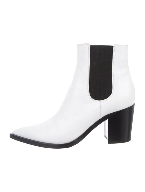Gianvito Rossi Leather Pointed-Toe Ankle Boots Whi