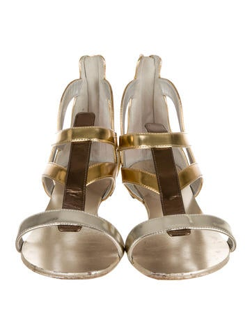 Metallic Round-Toe Sandals