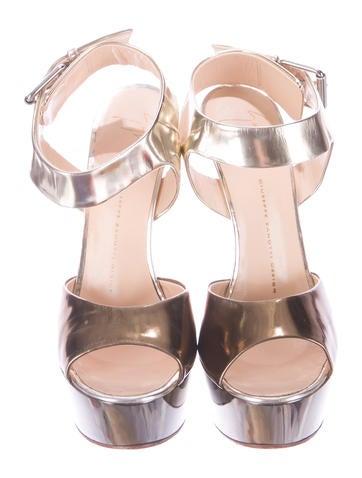 Metallic Alien Platform Sandals