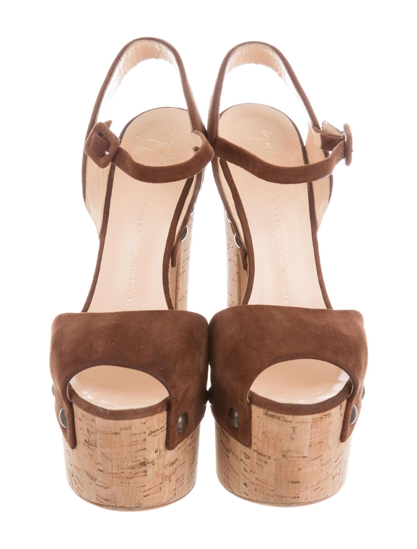 75d2142d6536e Giuseppe Shoes Heels Rubbing Swollen Feet Shoes | Bus Tracker