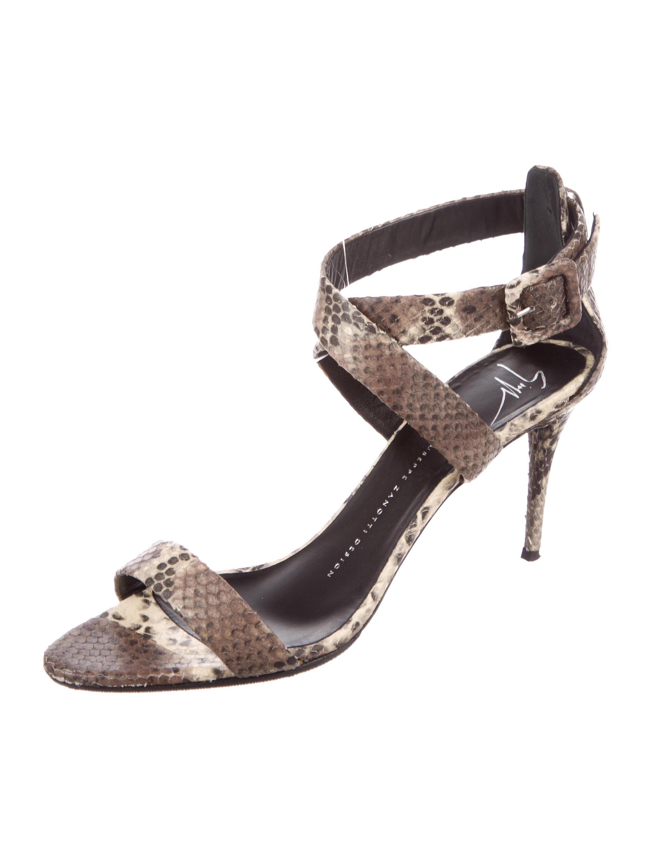 Giuseppe Zanotti Embossed Crossover Sandals buy online authentic 7tsjV