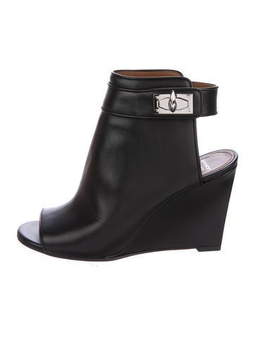 givenchy leather shark lock ankle boots shoes giv44315