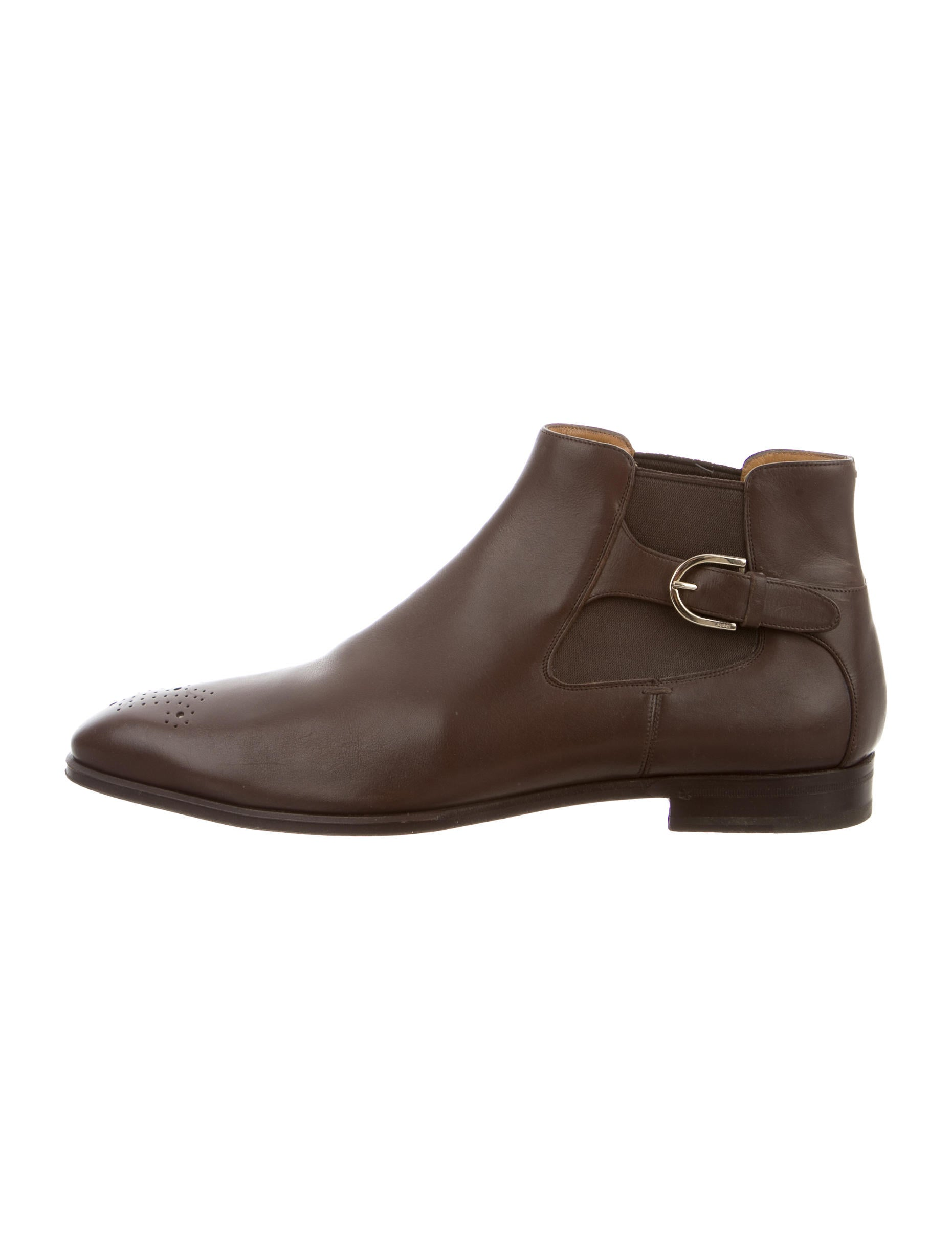 gucci pointed toe chelsea boots shoes guc110975 the