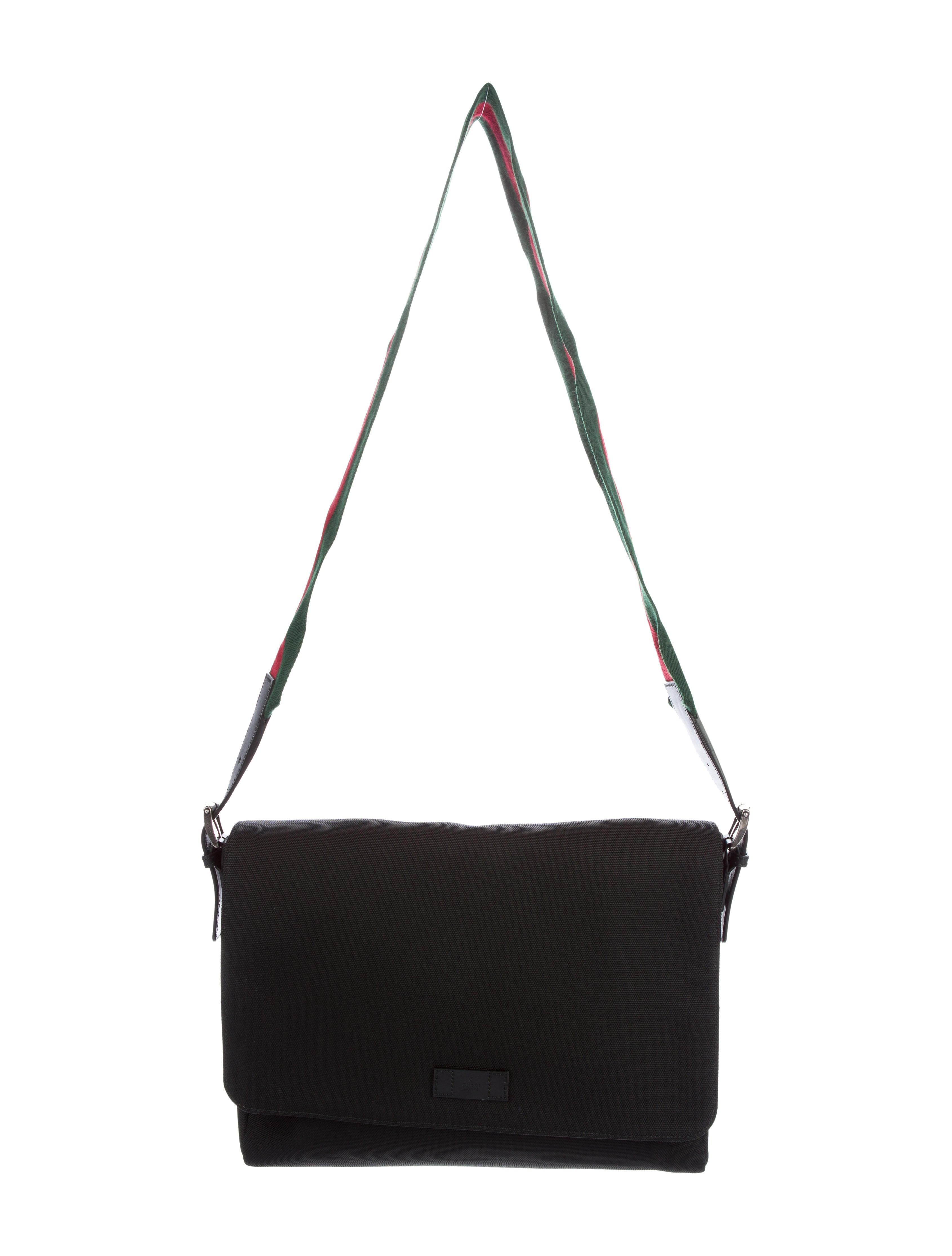 92b2006ecc7 Gucci Techno Canvas Messenger Bag - Bags - GUC127256