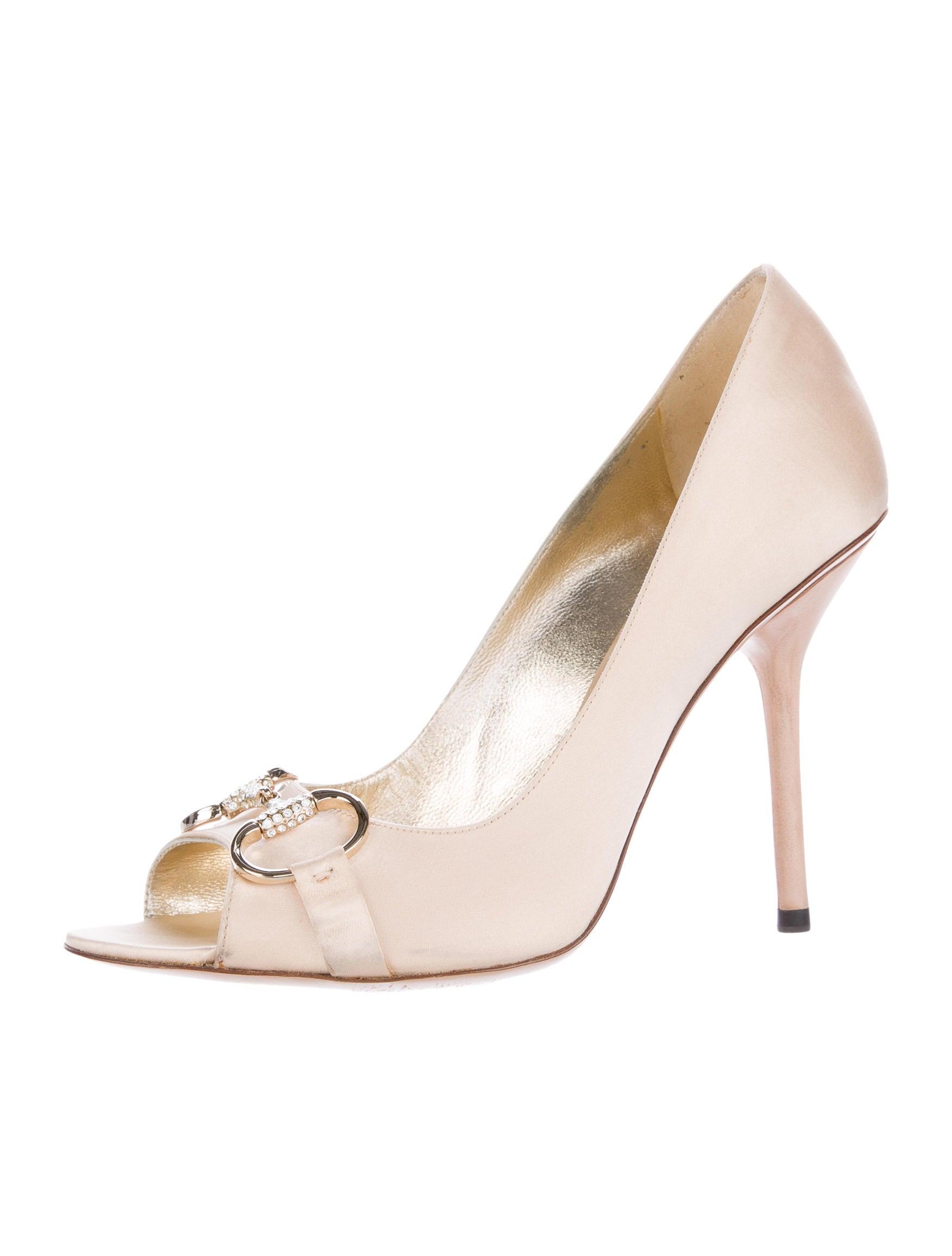 gucci satin horsebit pumps shoes guc134953 the realreal. Black Bedroom Furniture Sets. Home Design Ideas
