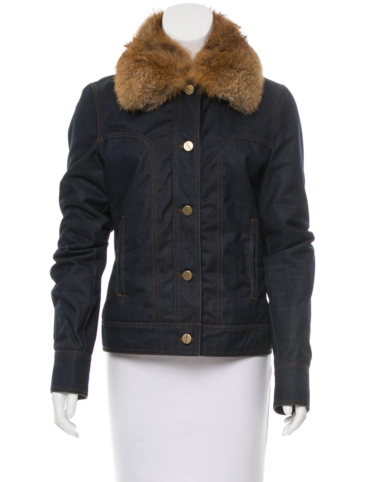There are so many various stylish ideas for casual outfits, for example, you can combine a light blue fur collar denim jacket with a red and black plaid button down shirt, gray skinny jeans and black patent leather mid calf boots. Or you can take a gray t-shirt, loose jeans, duck boots and a brown suede flat cap.