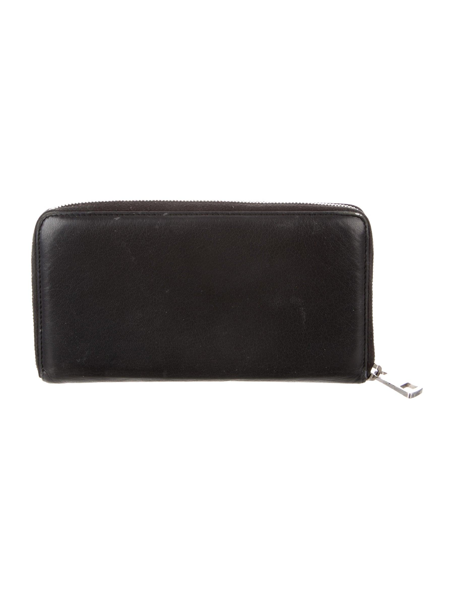 509301fffc87 Gucci Soho Travel Zip Around Wallet | Stanford Center for ...
