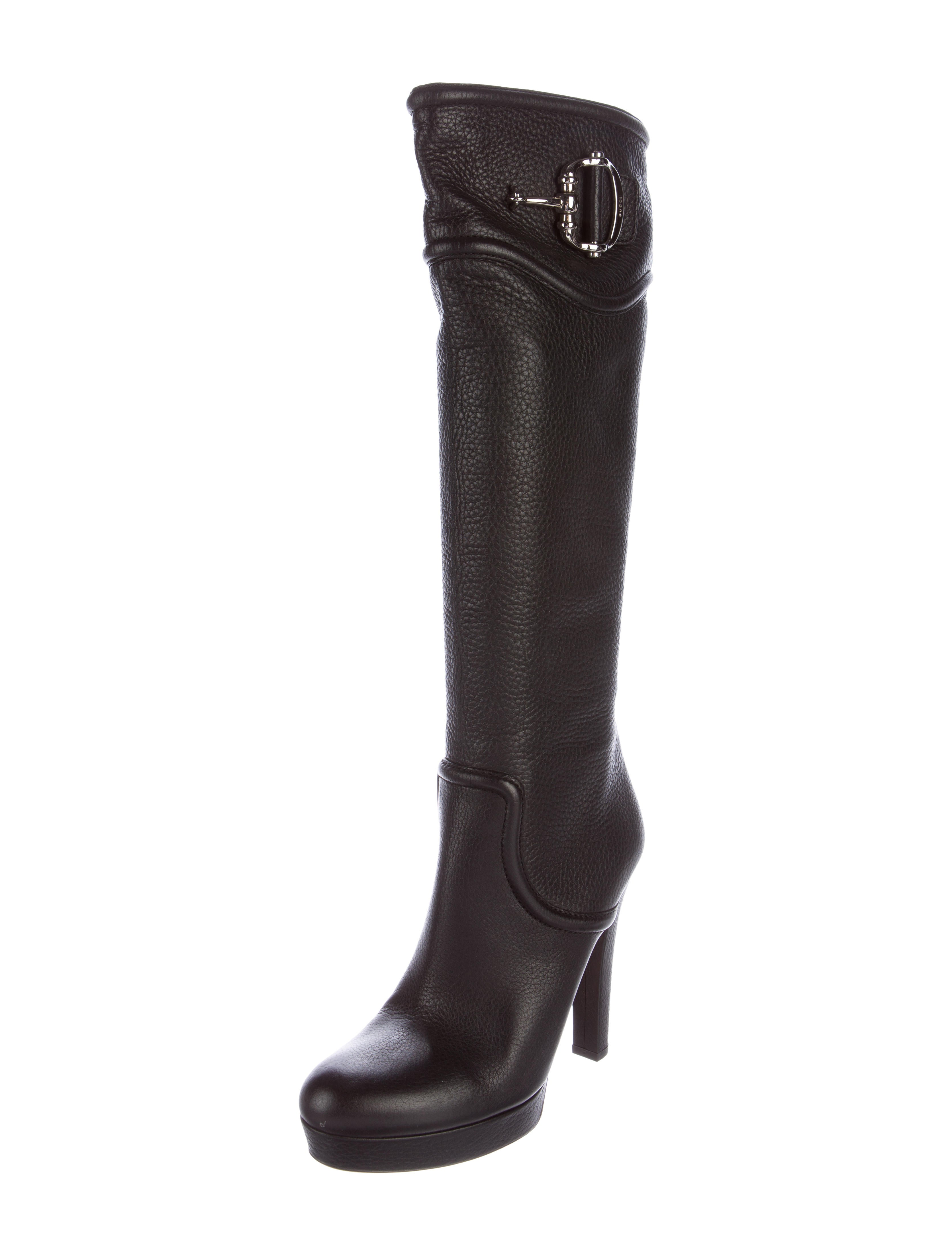 Knee High Boots Creating a splash with your shoes is easy when you wear a pair of knee high boots from Sinful Shoes. Our selection of stylish designs will have others doing a double take when you walk by.