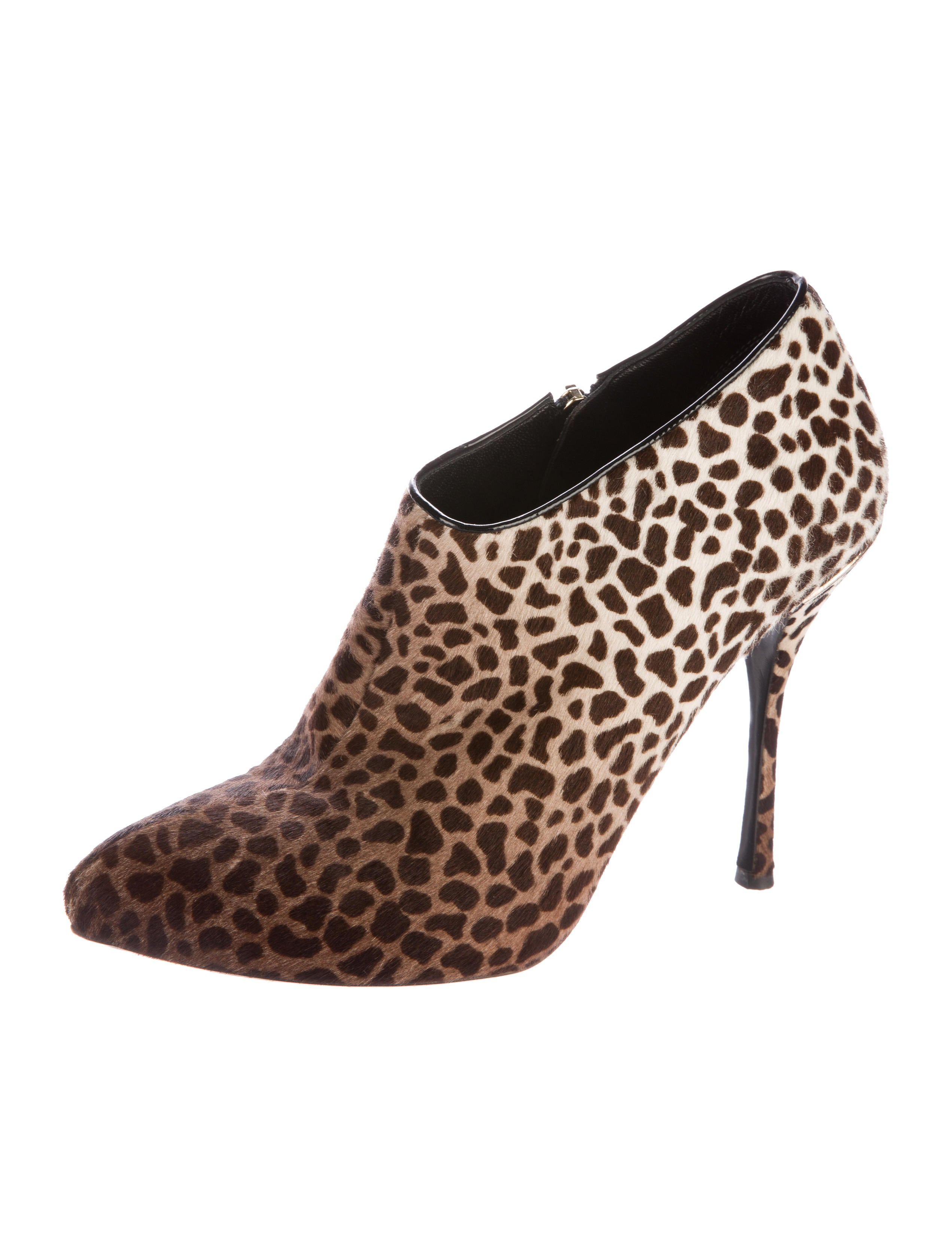 Find giraffe print shoes at ShopStyle. Shop the latest collection of giraffe print shoes from the most popular stores - all in one place.