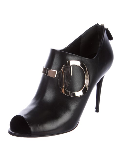 1d6c3e0ee Gucci Rooney Horsebit Booties - Shoes - GUC164034   The RealReal