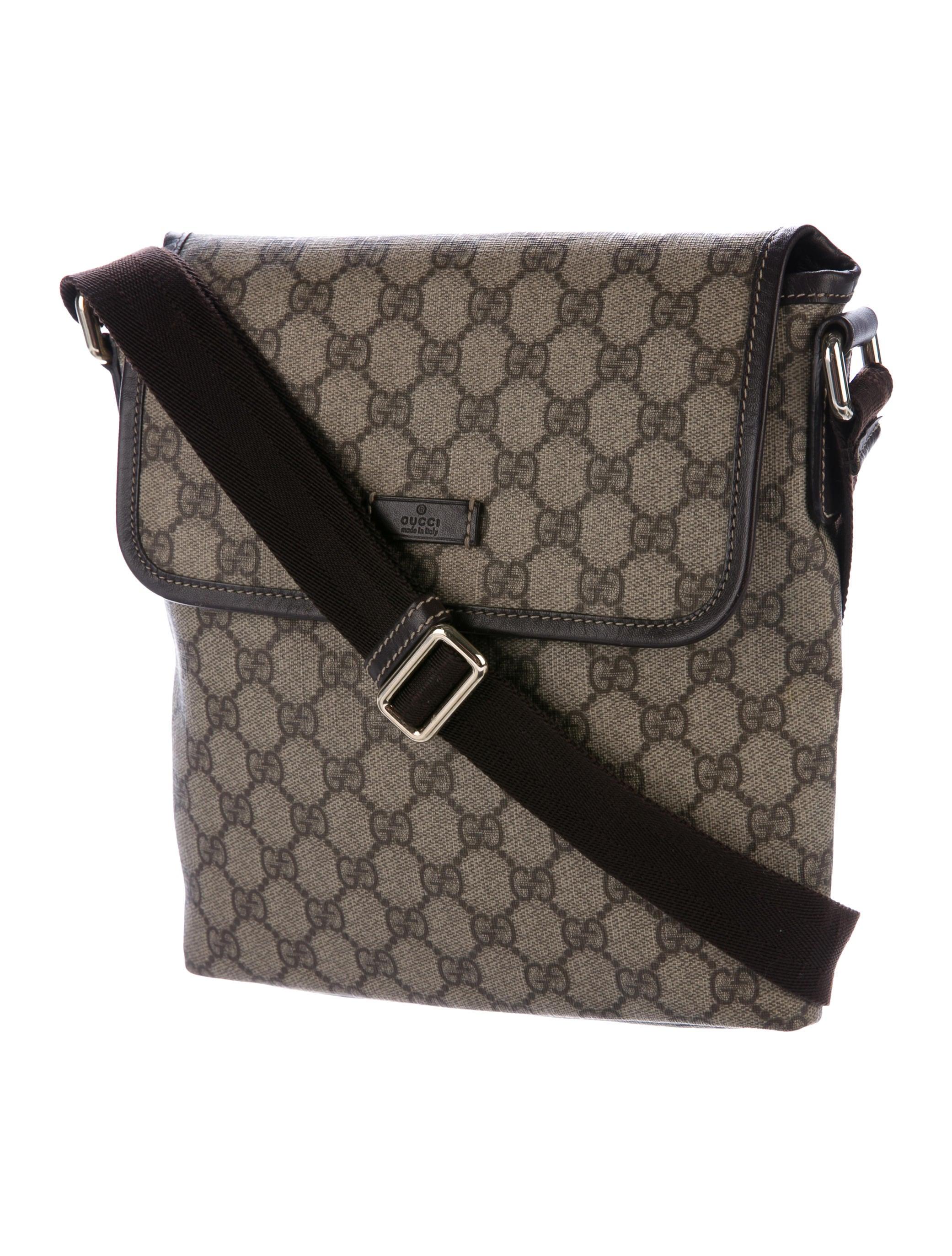 gucci gg supreme messenger bag handbags guc164404 the realreal. Black Bedroom Furniture Sets. Home Design Ideas