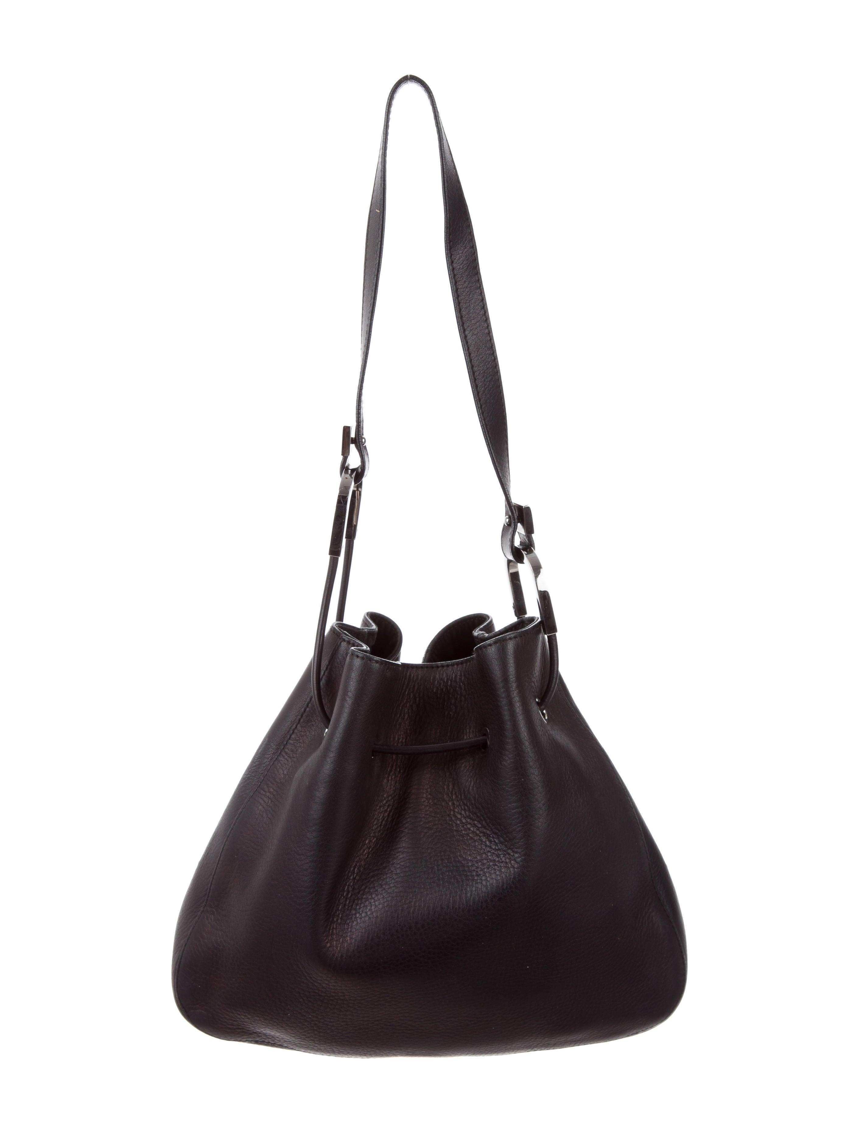 492983bdefe8 Vintage Gucci Leather Shoulder Bag   Stanford Center for Opportunity ...
