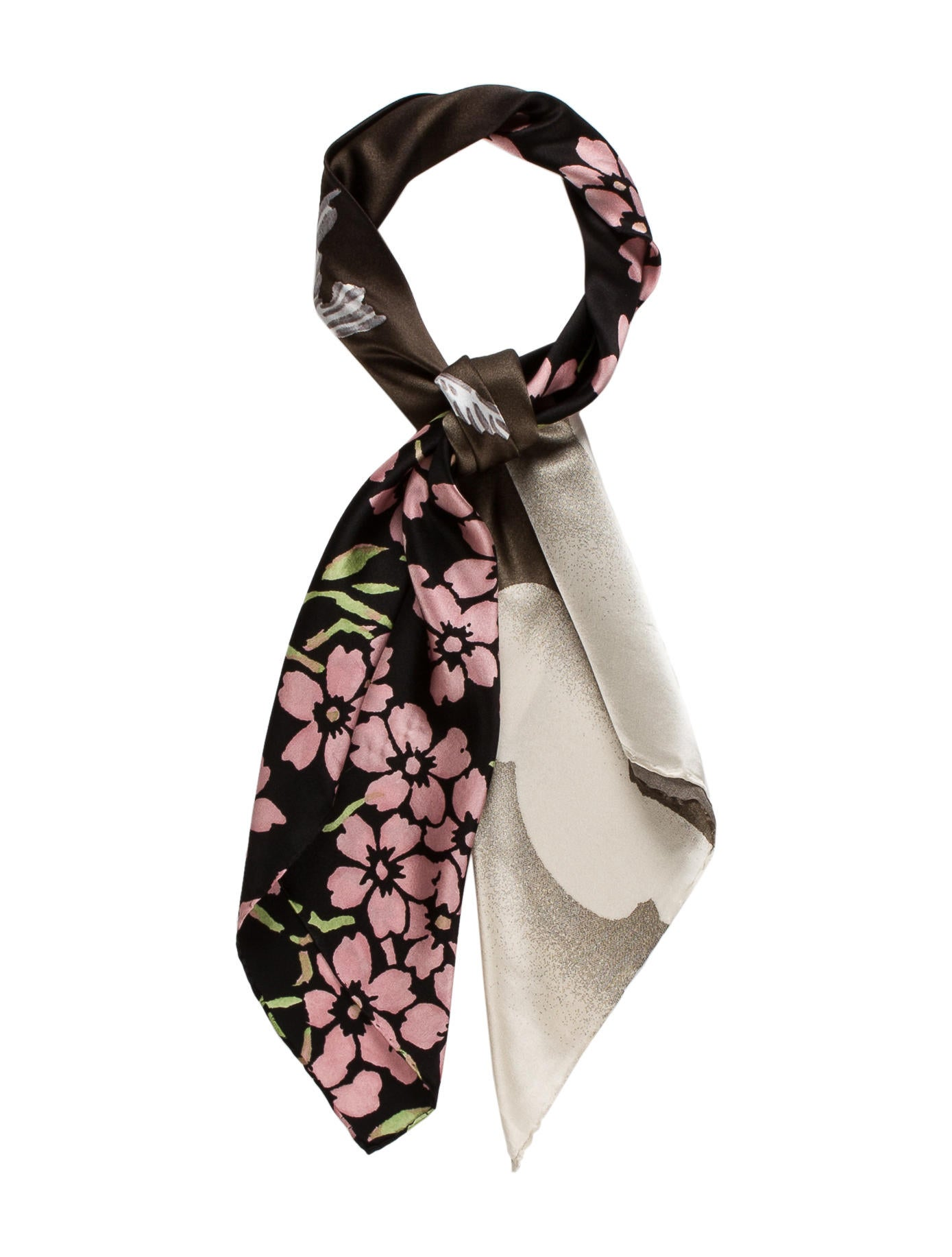 Depending on which fabric you choose, the print will be about % visible on the backside. Baby Rolled Machine Finished Hem Like all of our products, each scarf is printed, hand-cut and sewn by skilled trades people using top of the line finishing machines.