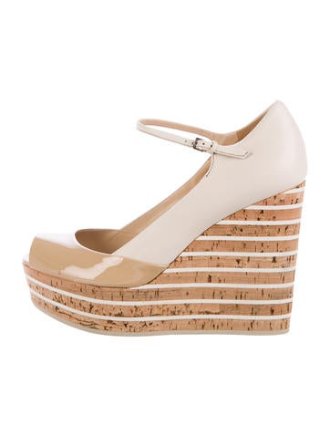 Gucci Leather Wedge Pumps None