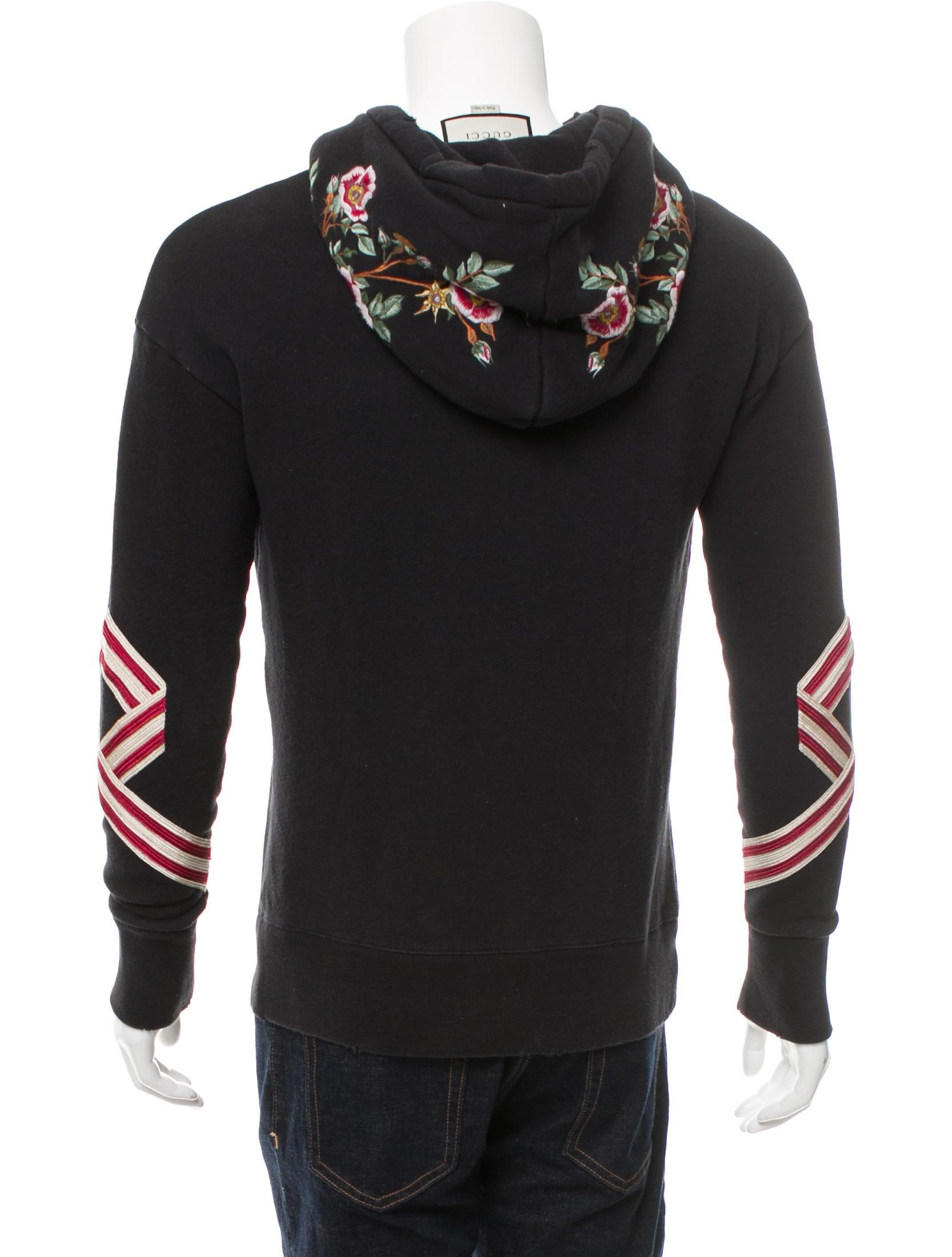 2017 Floral-Embroidered Sweatshirt