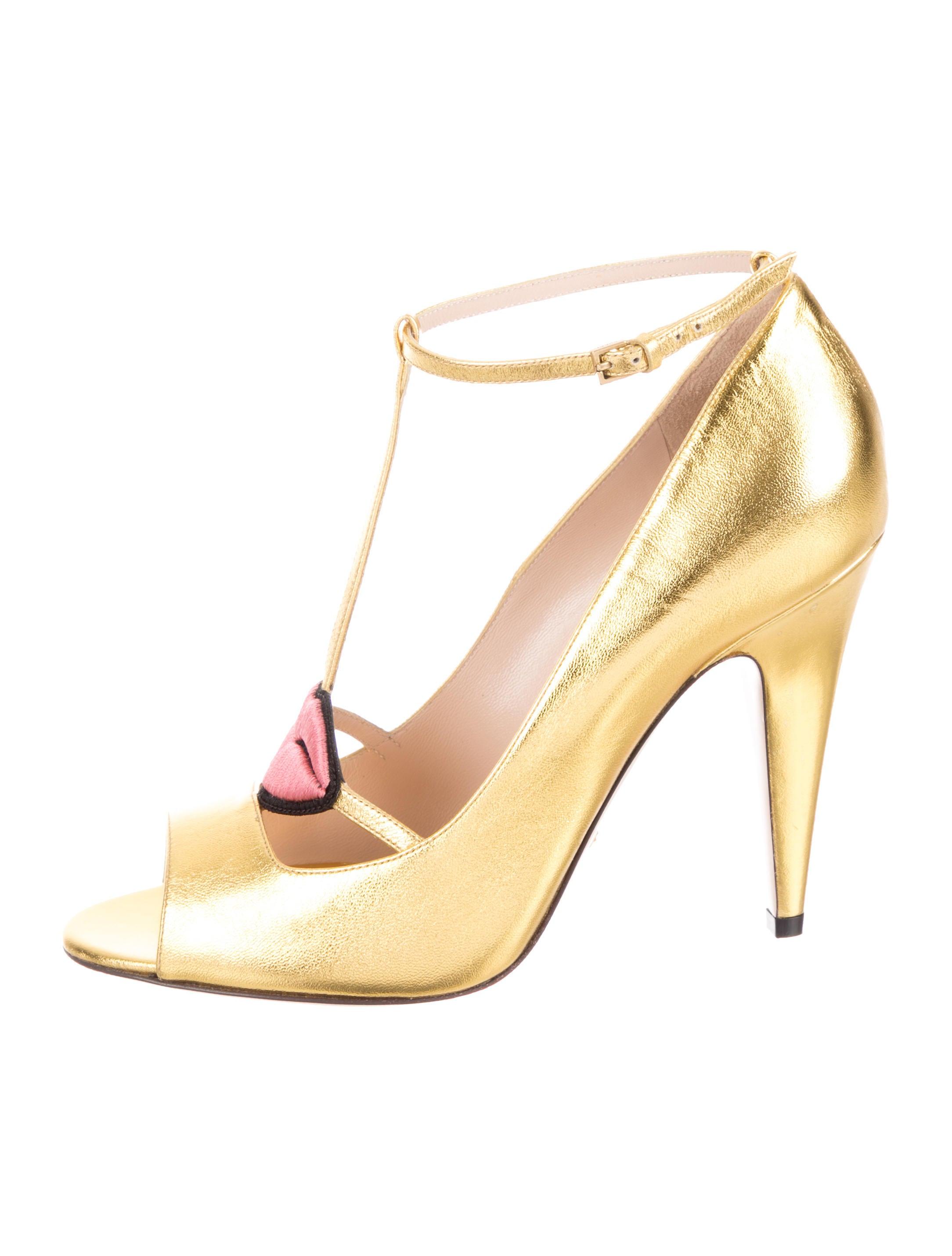 88f12470c408 Gucci Molina Lip Pumps - Shoes - GUC195167